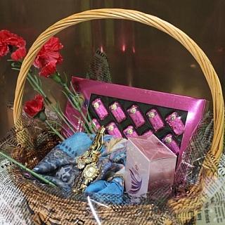Подаръчна кошница Идея
