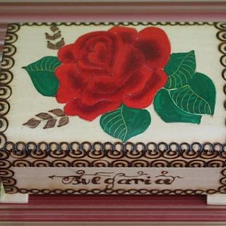 Дървена кутия за бижута роза(няма наличност)