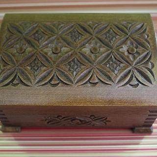Ръчно изработена дървена кутия за бижута -малка(няма наличност)