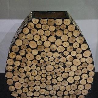 Ваза лакирана инкрустирана с дървени кръгчета-LVQ108-37 см х 10 см х 40 см