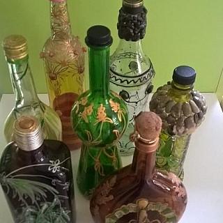 Рисувани и инкрустирани бутилки