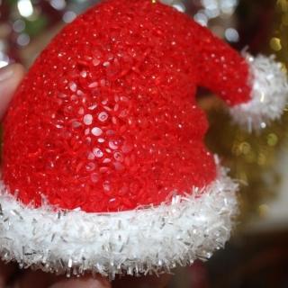 Светеща коледна и новогодишна играчка коледна шапка
