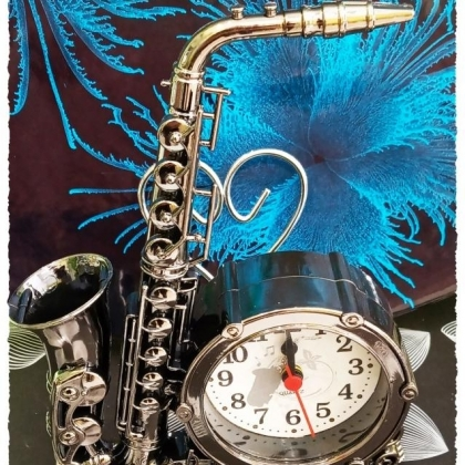 Будилник саксофон