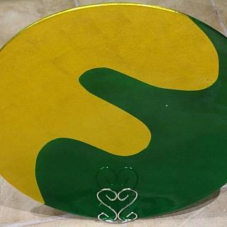 Ръчно изработена сувенирна чиния кръгла с диаметър  45 и височина  cm.