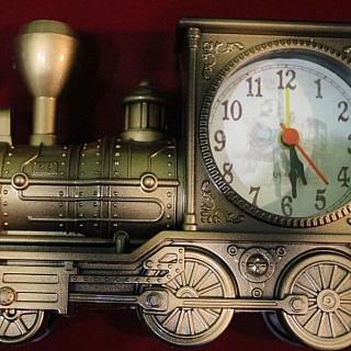 Будилник  влак