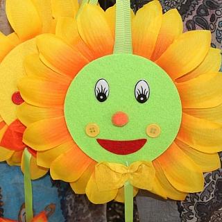 Цвете слънчоглед от плат.